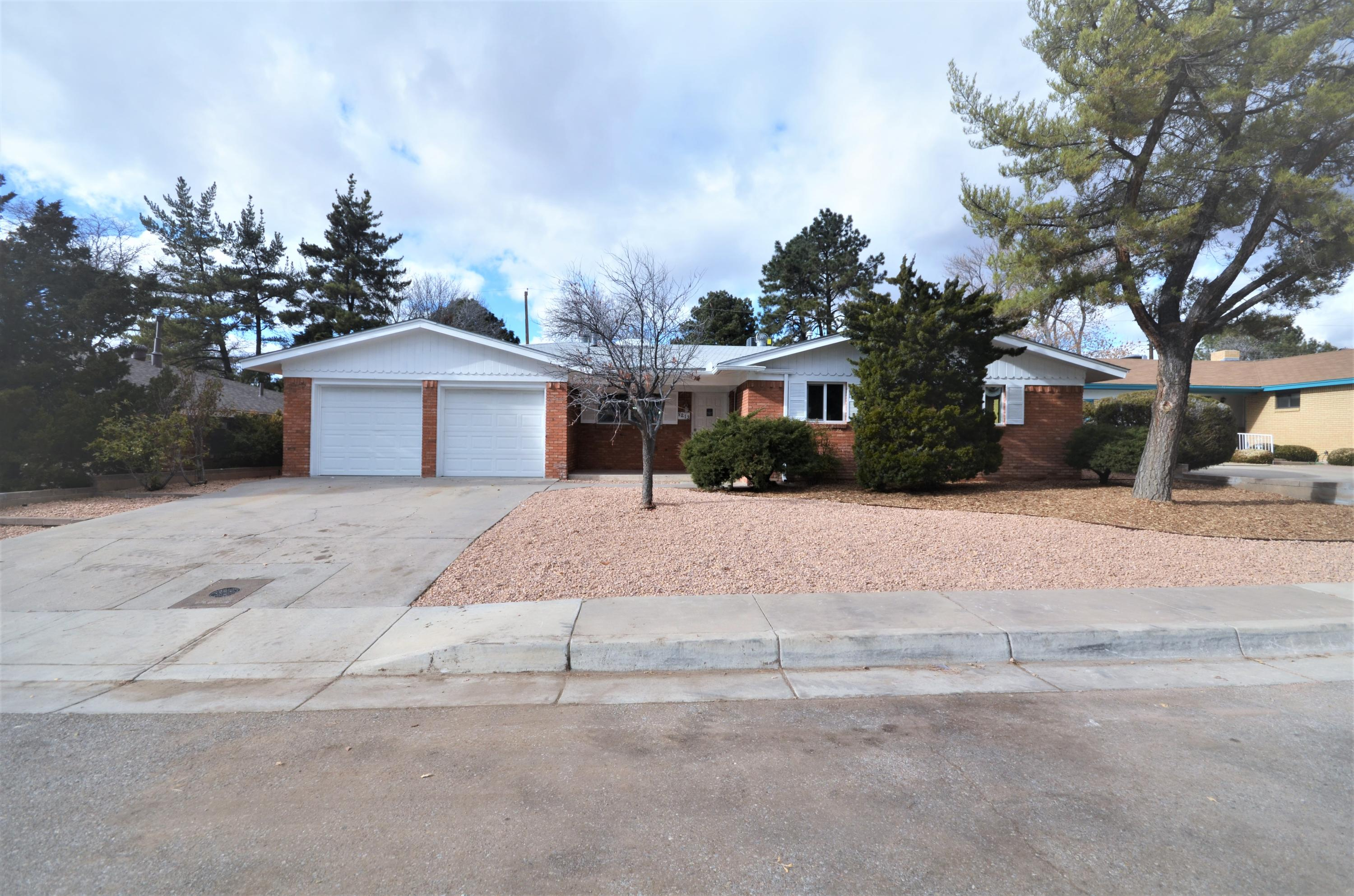 8213 Connecticut Street, Albuquerque NM 87110
