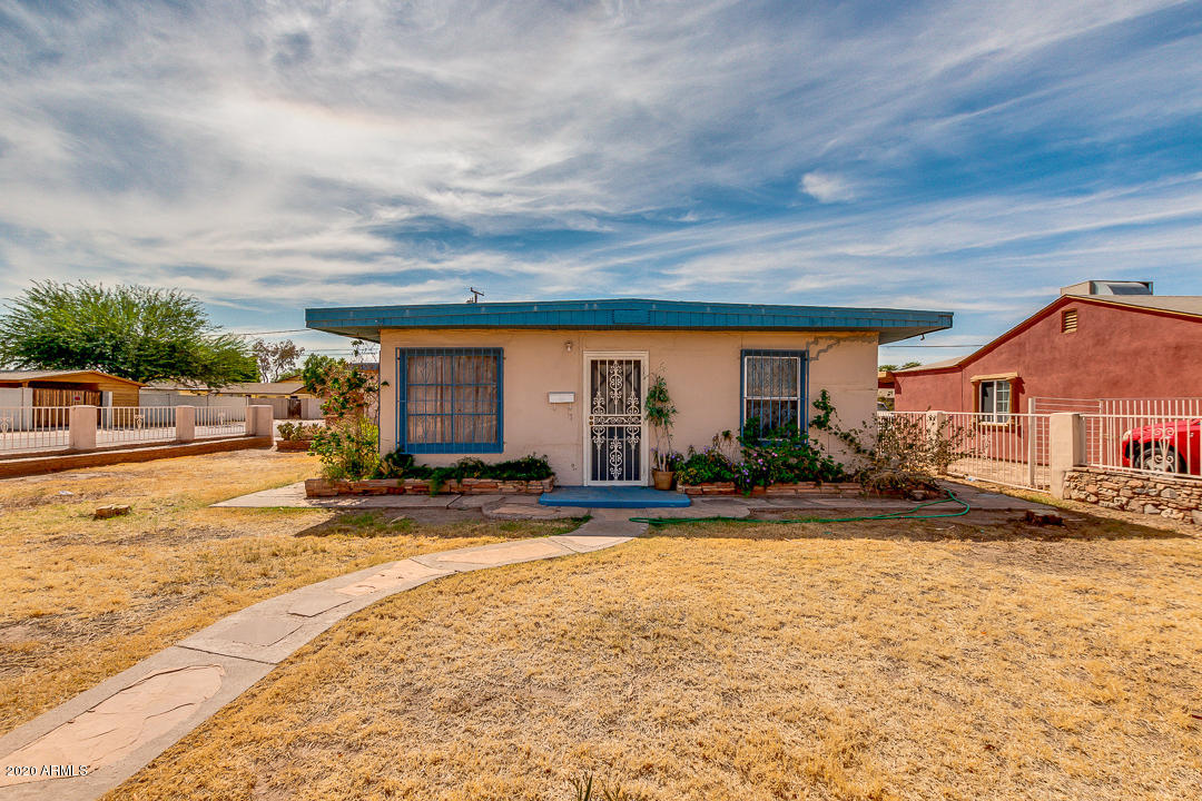 3401 W HOLLY Street, Phoenix AZ 85009