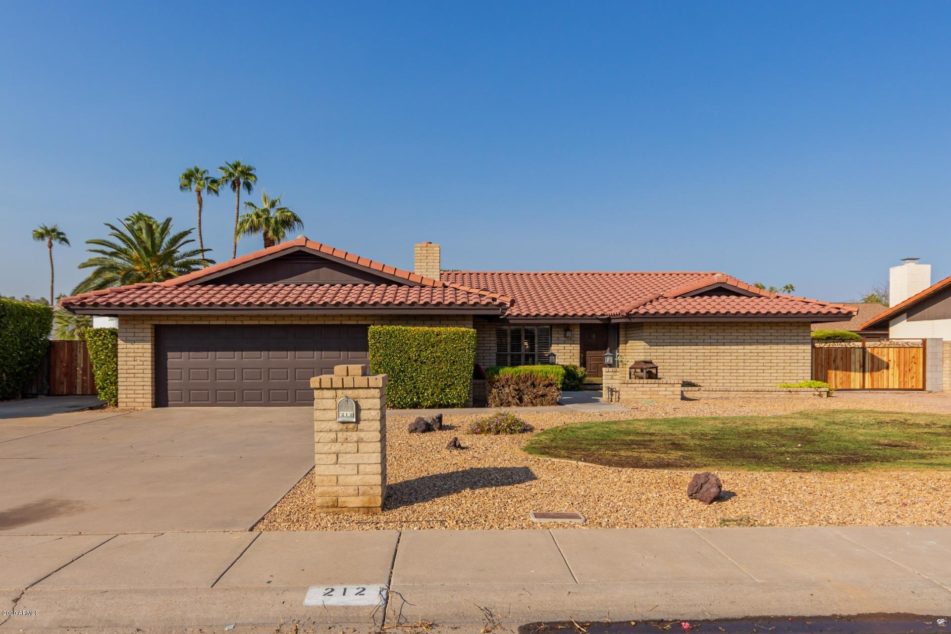 212 W INTERLACKEN Drive, Phoenix AZ 85023