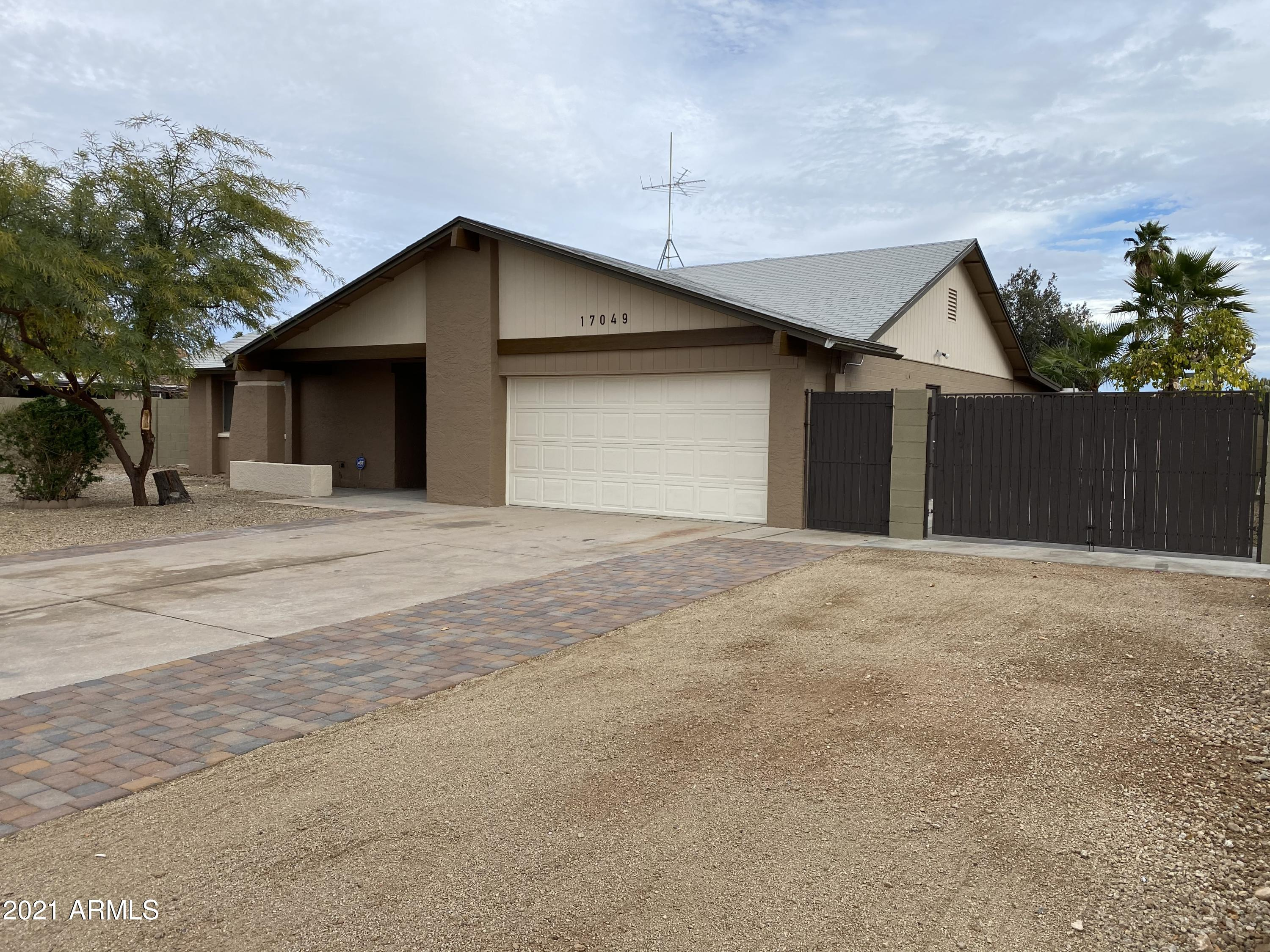 17049 N 39th Avenue, Glendale AZ 85308