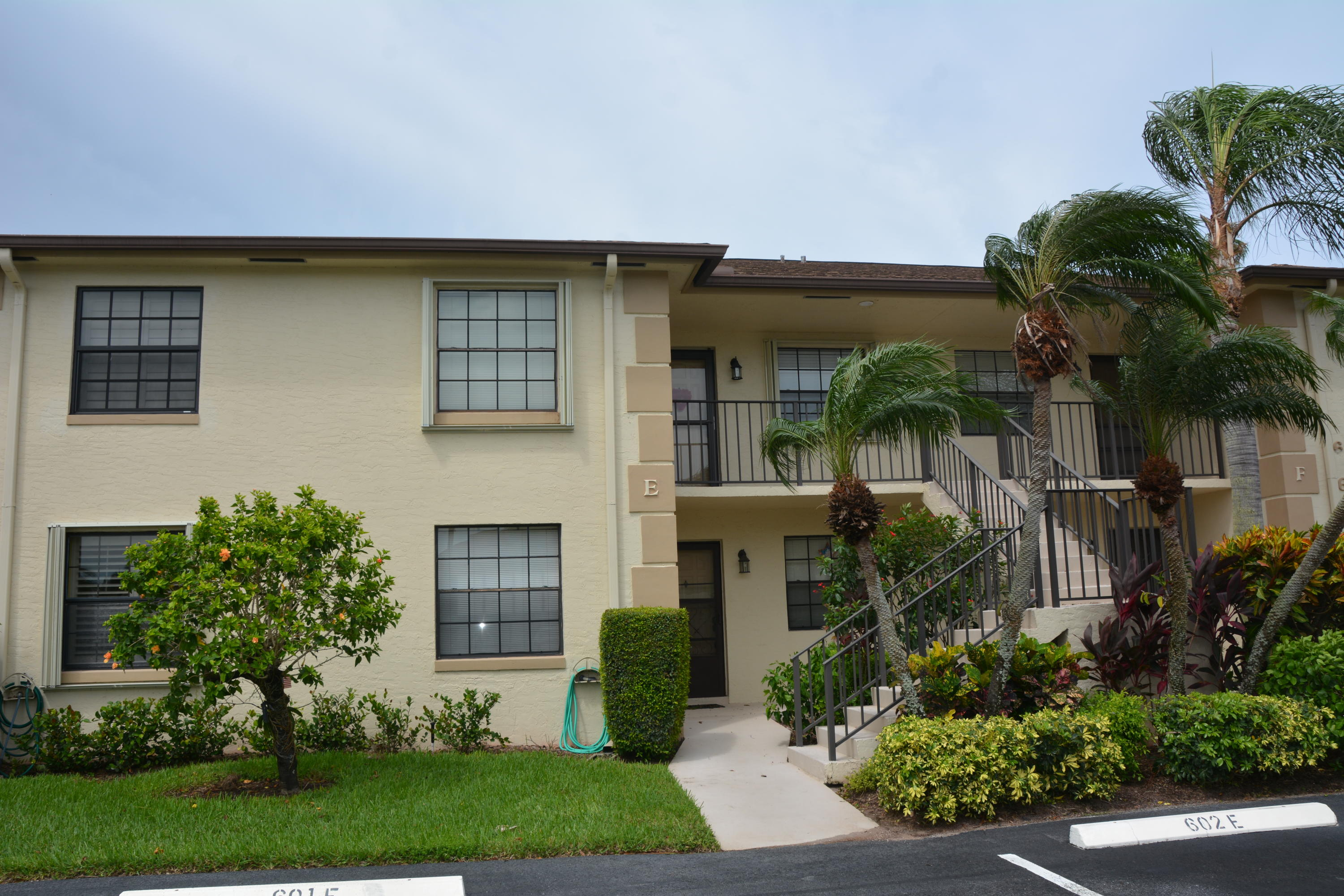 602 Pinecrest Circle Unit E, Jupiter FL 33458