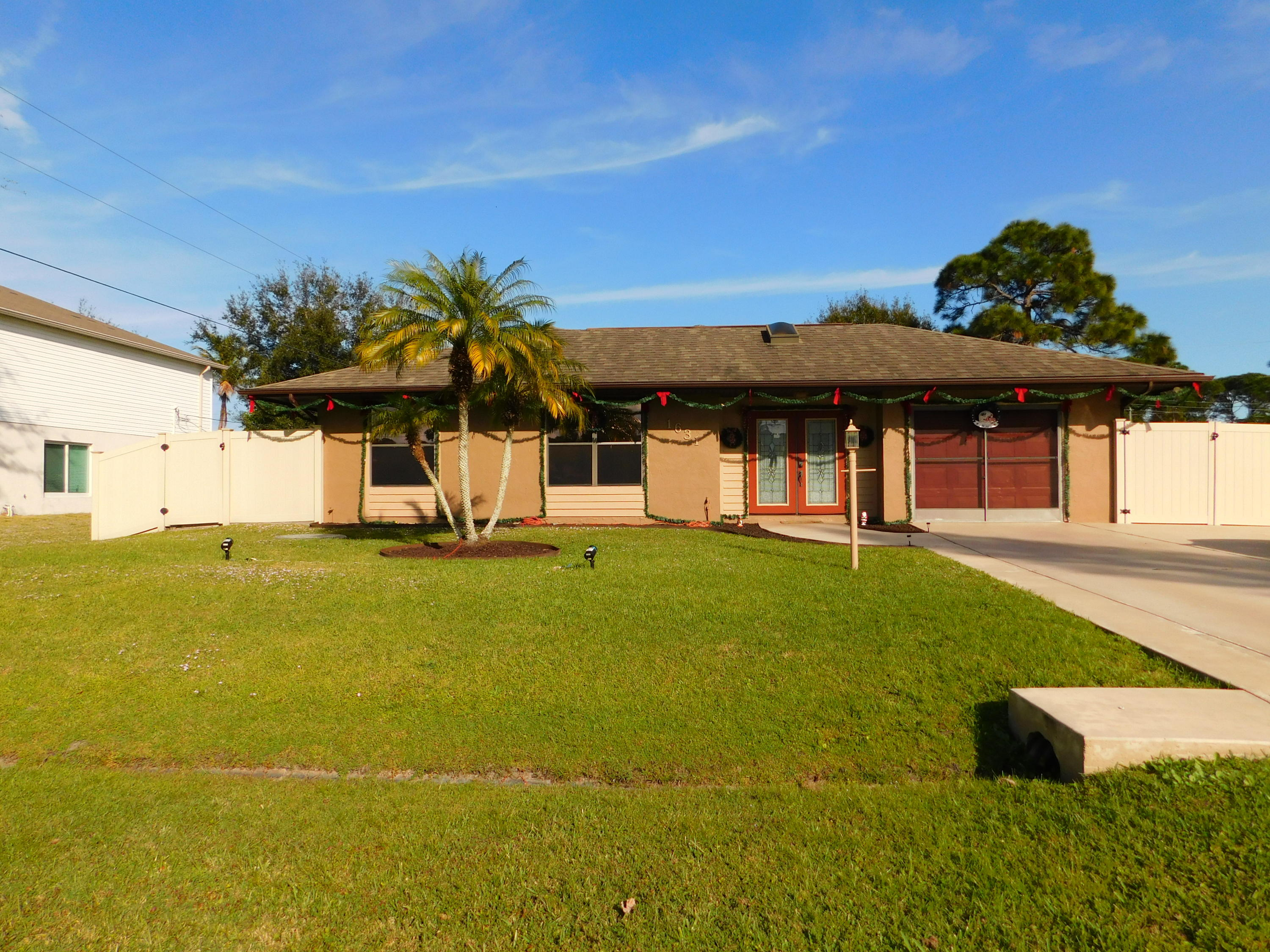 1631 SE Seashore Lane, Port Saint Lucie FL 34983