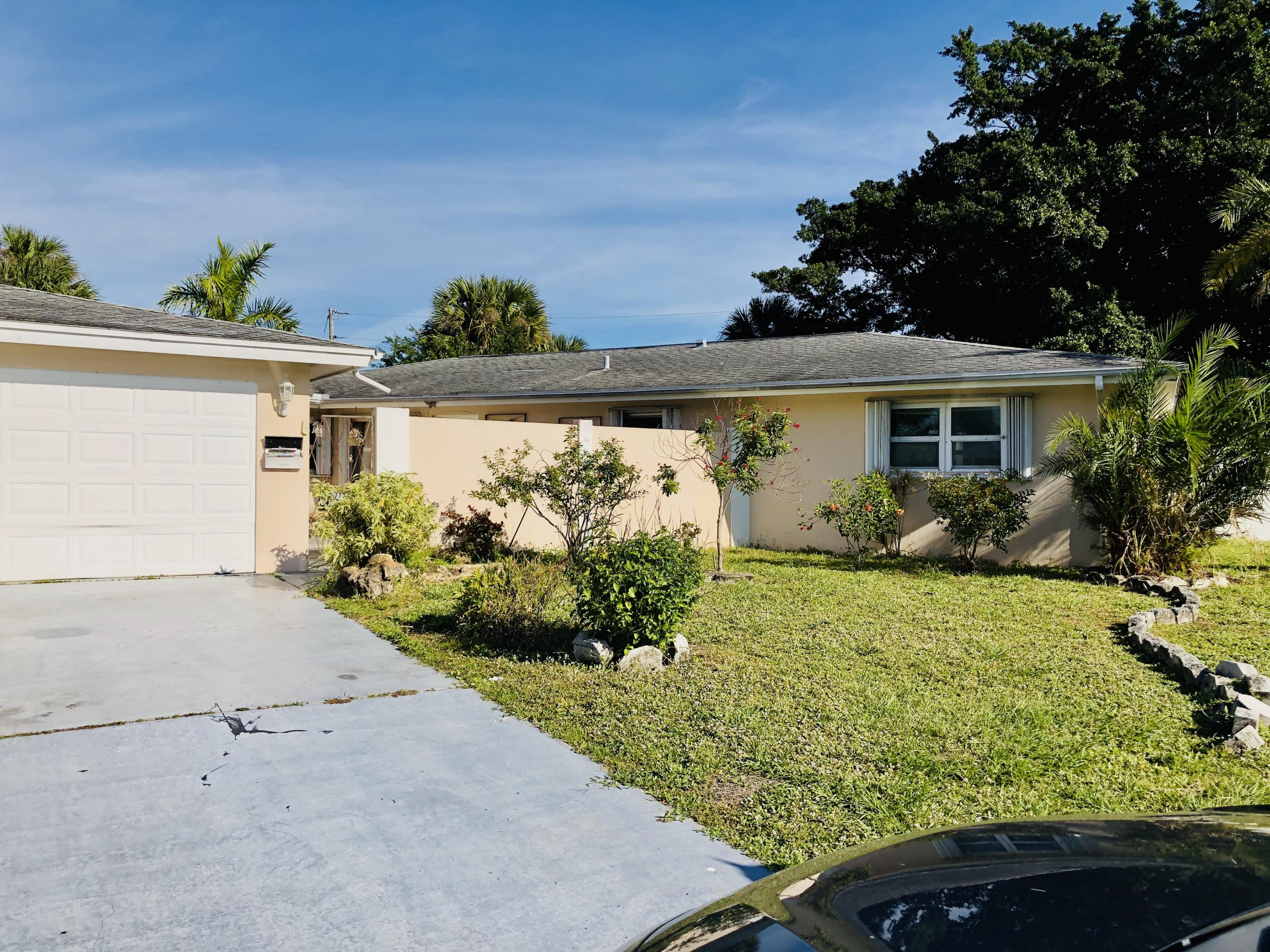 3014 SE Woodring Lane, Port Saint Lucie FL 34952