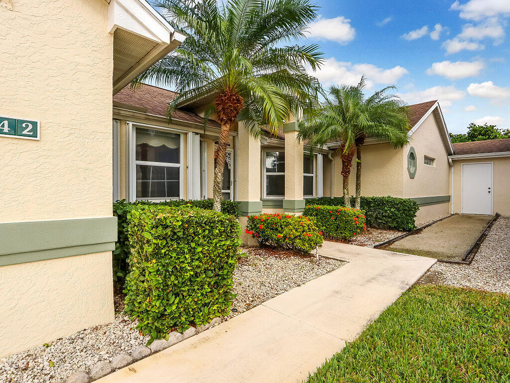 442 NW Sherry Lane, Port Saint Lucie FL 34986
