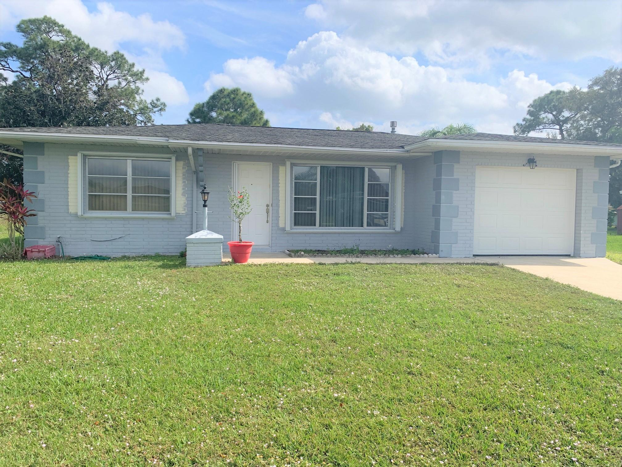 637 SW Branford Road, Port Saint Lucie FL 34983