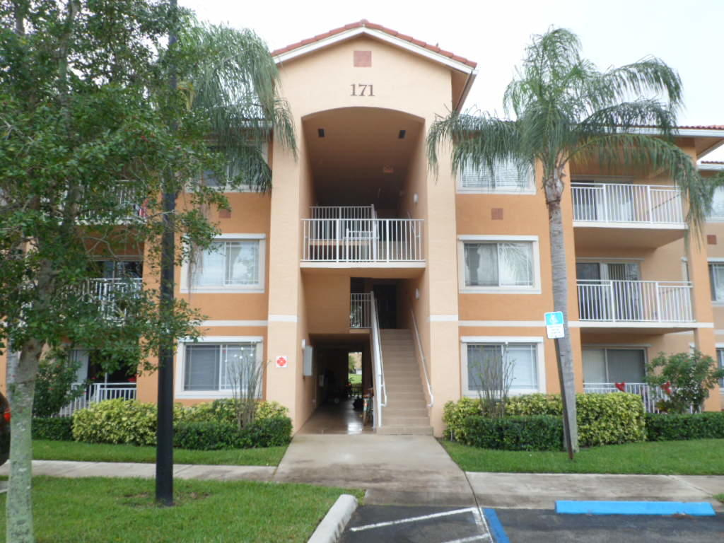 171 SW Palm Drive Unit 104, Port Saint Lucie FL 34986