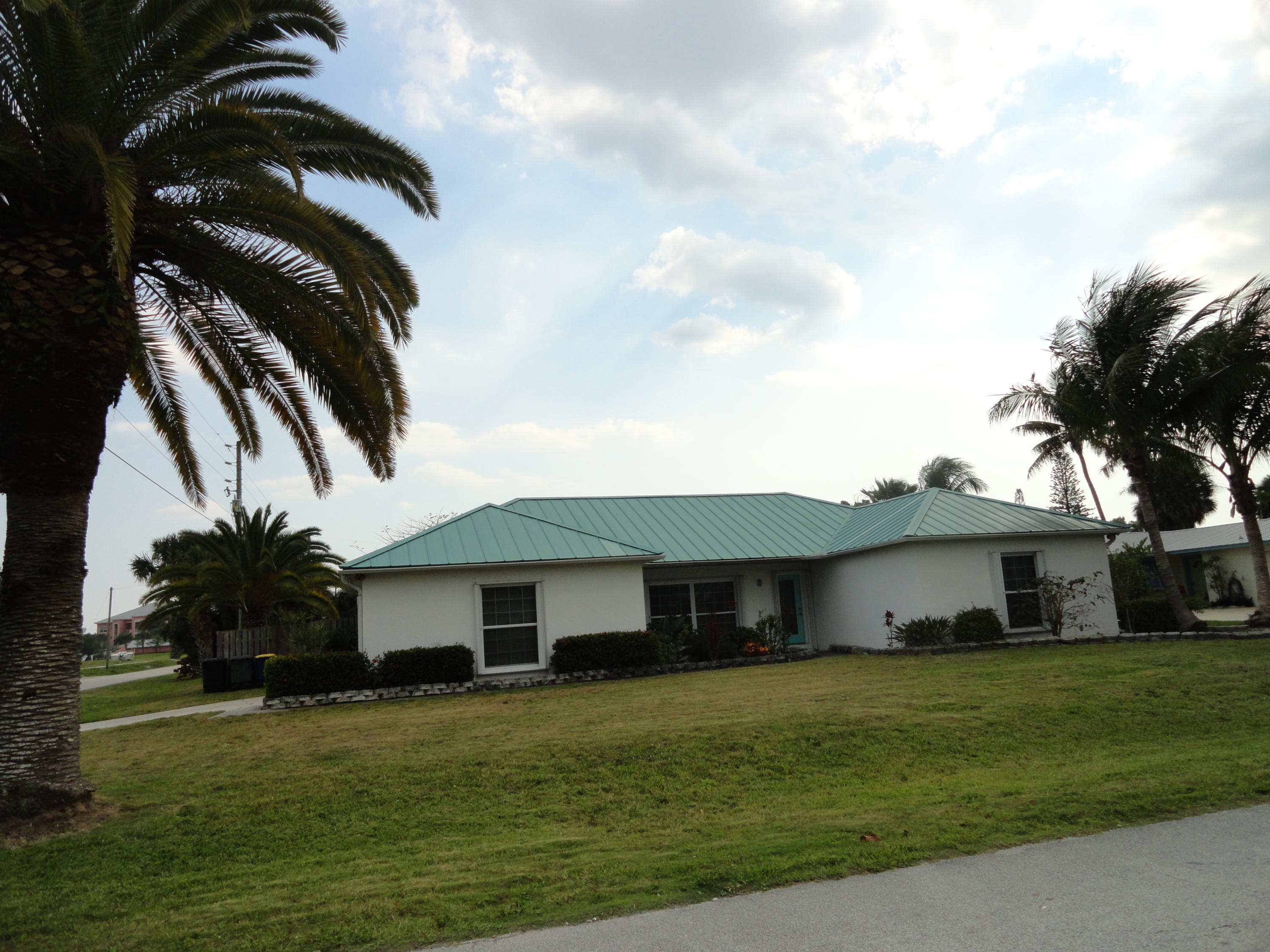 1577 Thumb Point Drive, Fort Pierce FL 34949