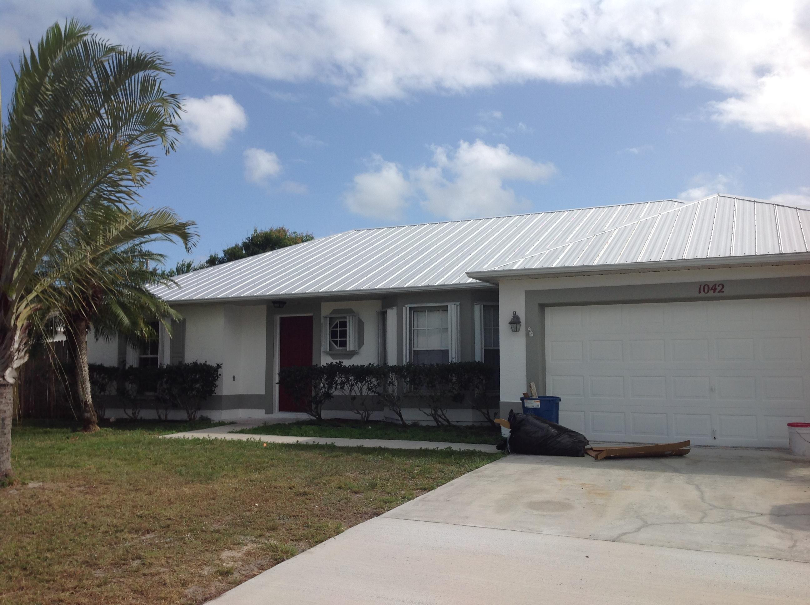 1042 SW Bellevue Avenue, Port Saint Lucie FL 34953