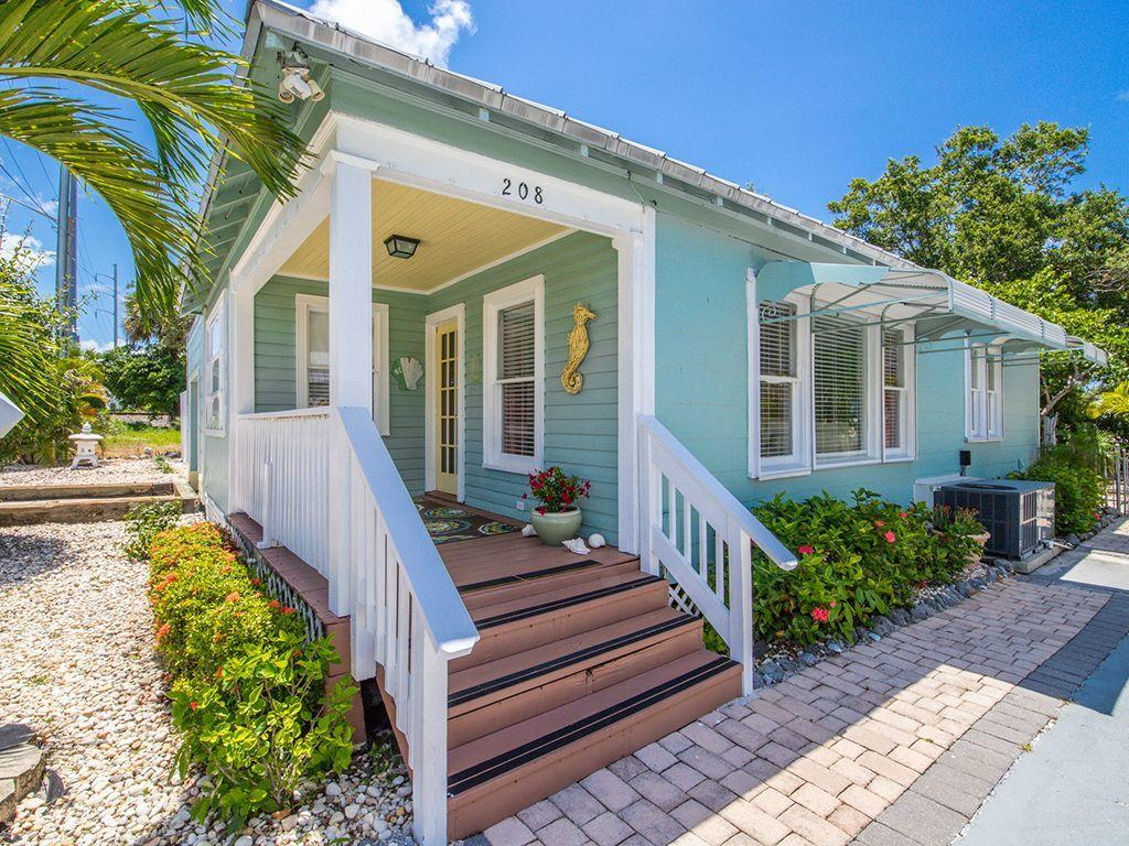208 Avenue E, Fort Pierce FL 34950