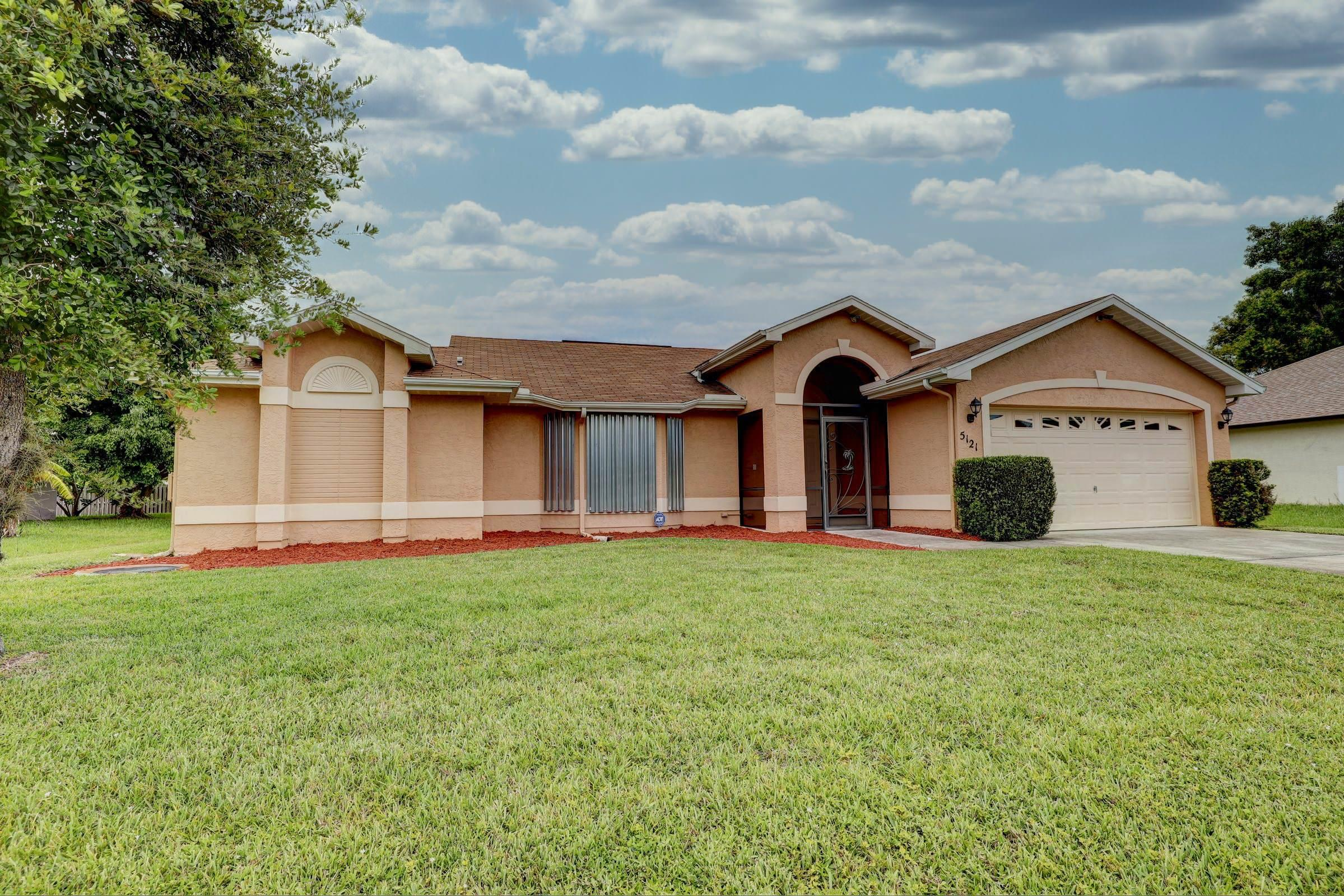 5121 NW Ever Road, Port Saint Lucie FL 34983