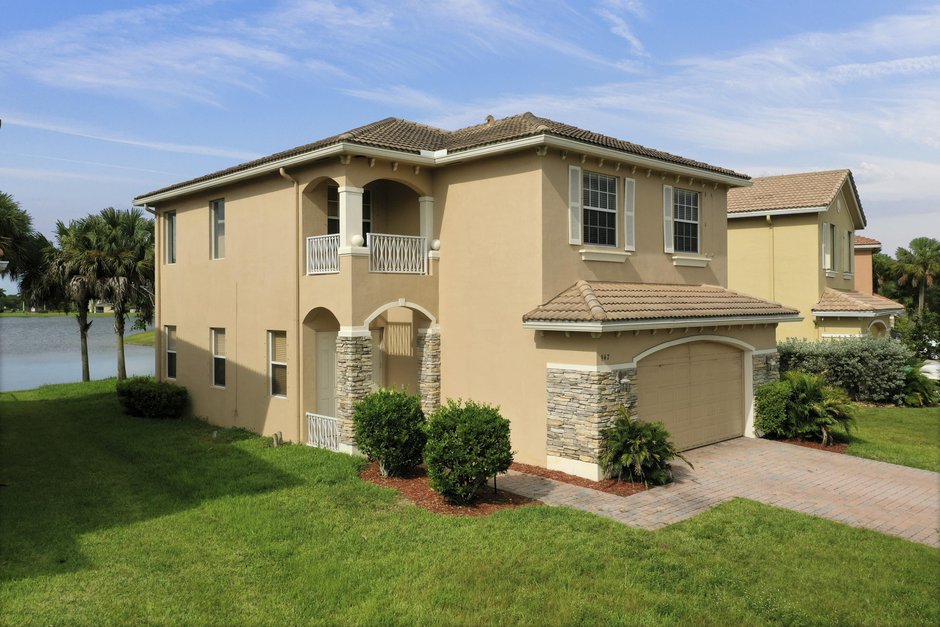 947 NW Leonardo Circle, Port Saint Lucie FL 34986