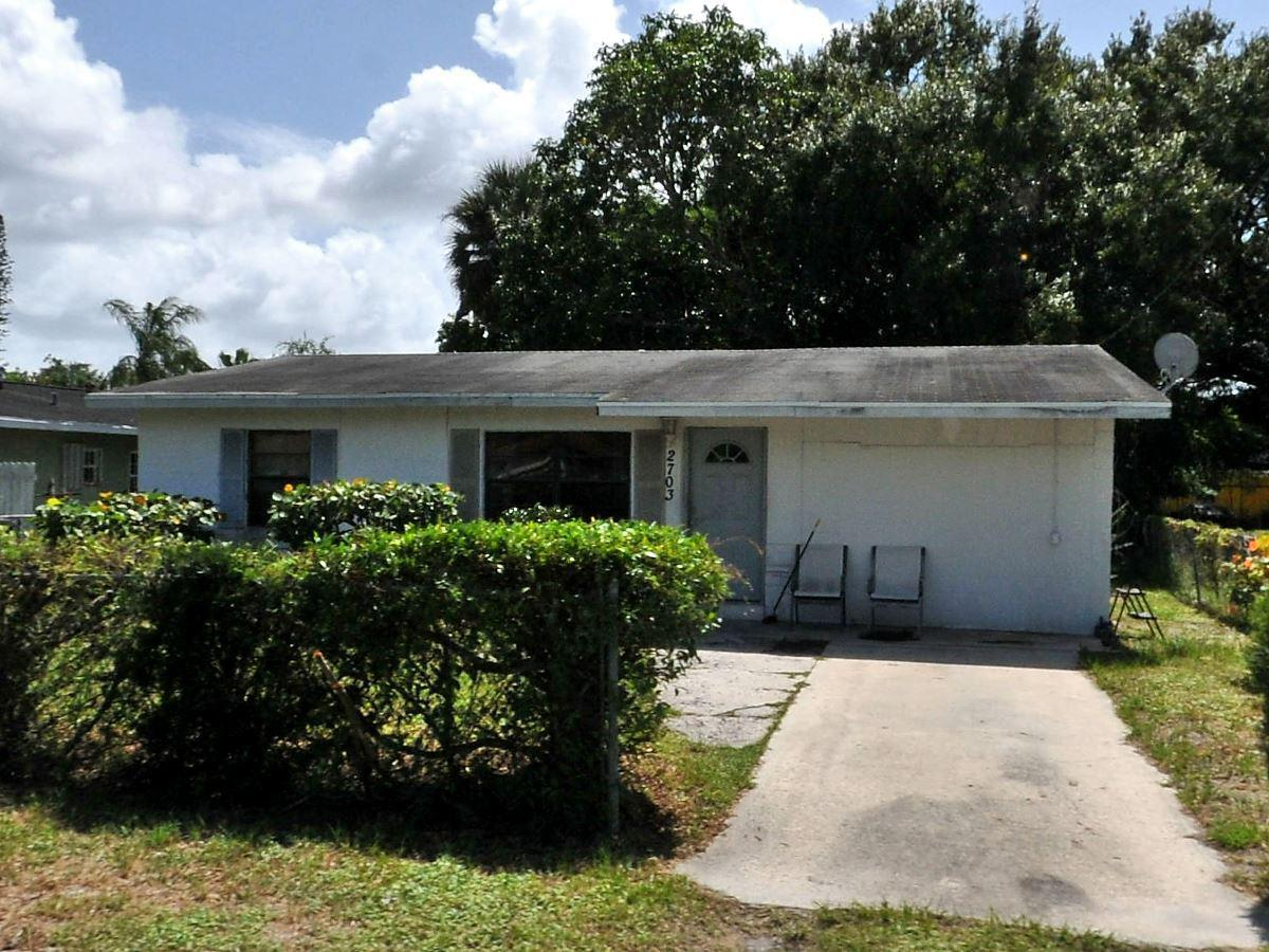 2703 Avenue E, Fort Pierce FL 34947