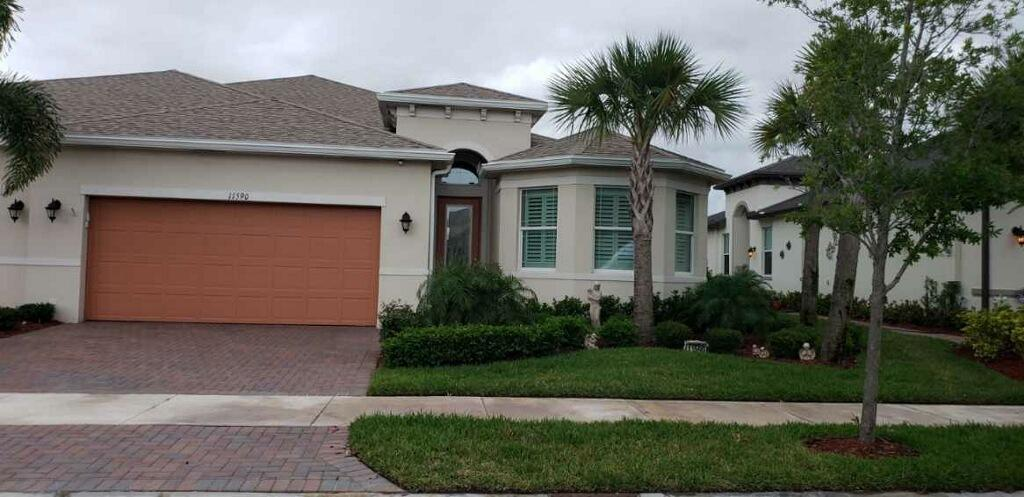 11590 SW Lake Park Drive, Port Saint Lucie FL 34987