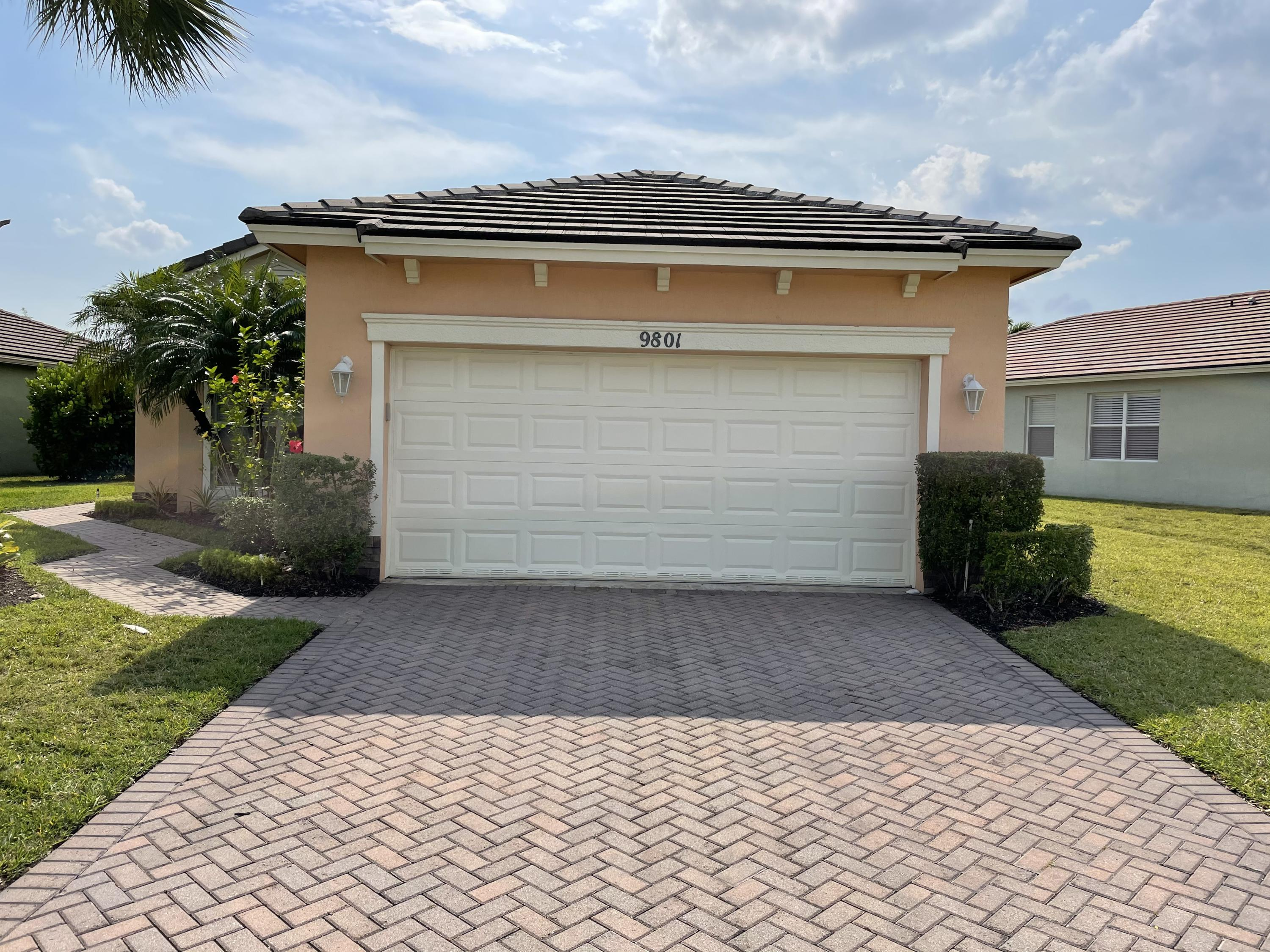 9801 SW Eastbrook Circle, Port Saint Lucie FL 34987