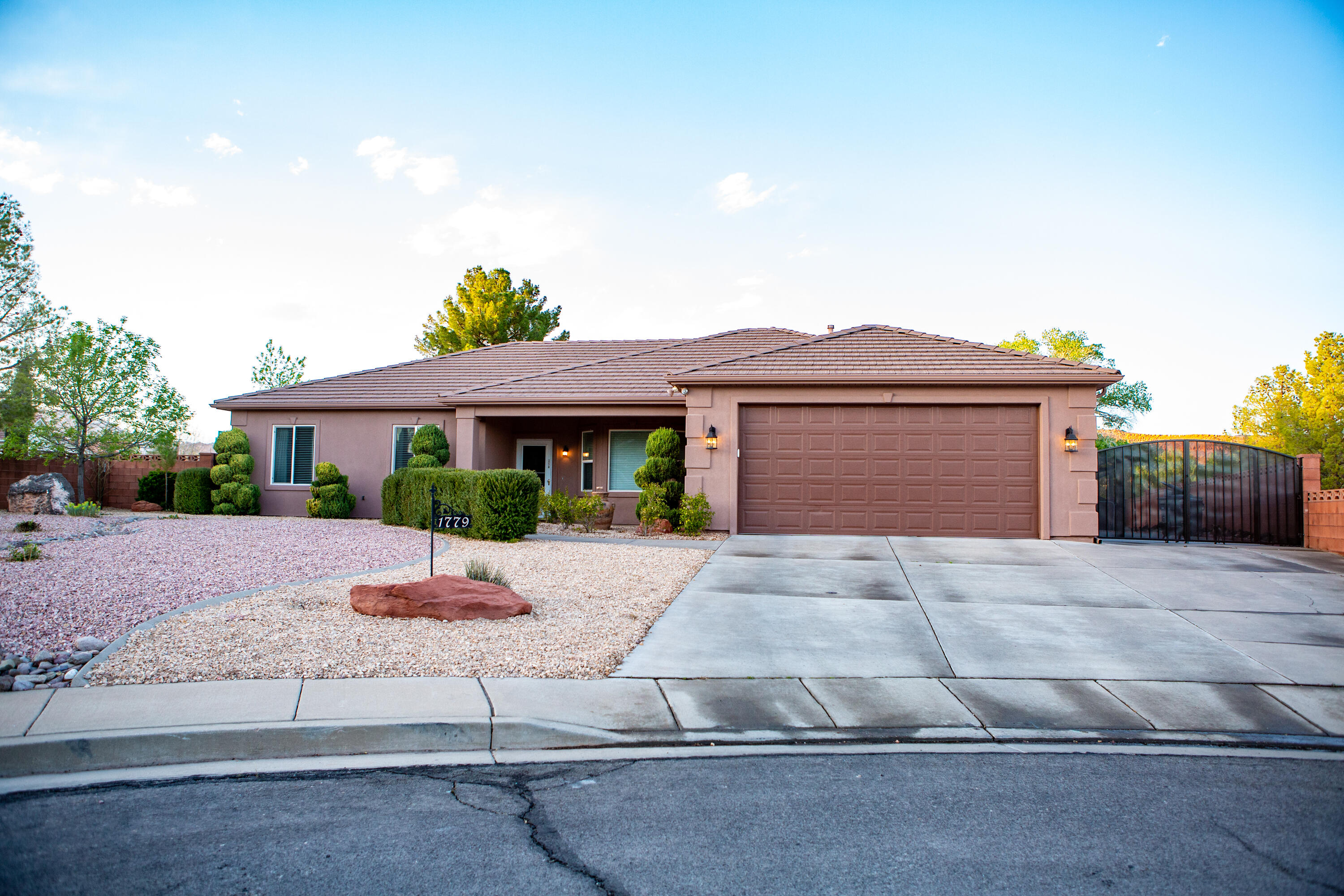 1779 N 2330 W Cir, St George Ut 84770